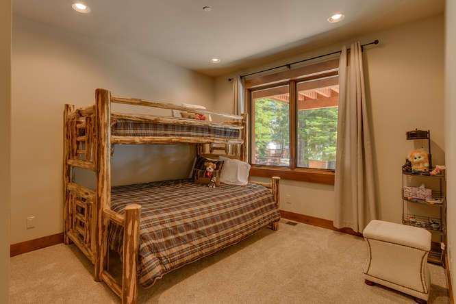 Carnelian Bay Real Estate | 4516 Muletail Dr-Bunk Room