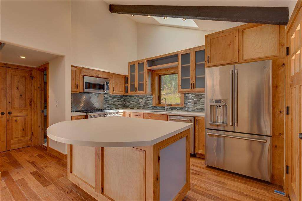 Lake Tahoe Real Estate | 5219 Turquoise Ave | Kitchen