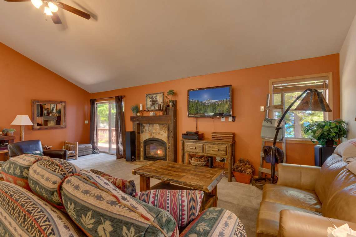 6070 Quail Creek Rd Tahoma CA-large-003-15-Living Room-1500x1000-72dpi