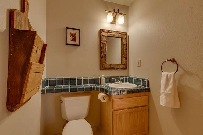 Lake Tahoe Luxury Real Estate | Guest Bathroom