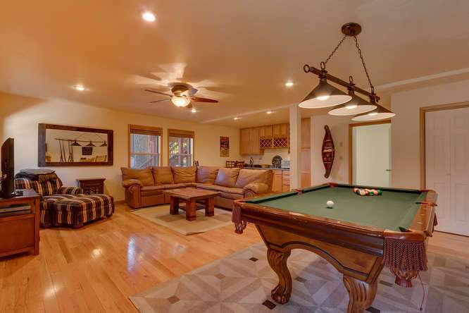 Lake Tahoe Real Estate | Family Room