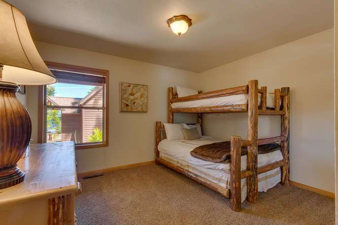 Tahoe Luxury Real Estate | Bedroom