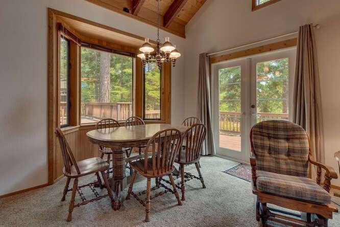 6498-Wildwood-Rd-Tahoe-Vista-small-004-002-Dining-Room-666x445-72dpi.jpg-nggid044256-ngg0dyn-666x444x60-00f0w010c010r110f110r010t010