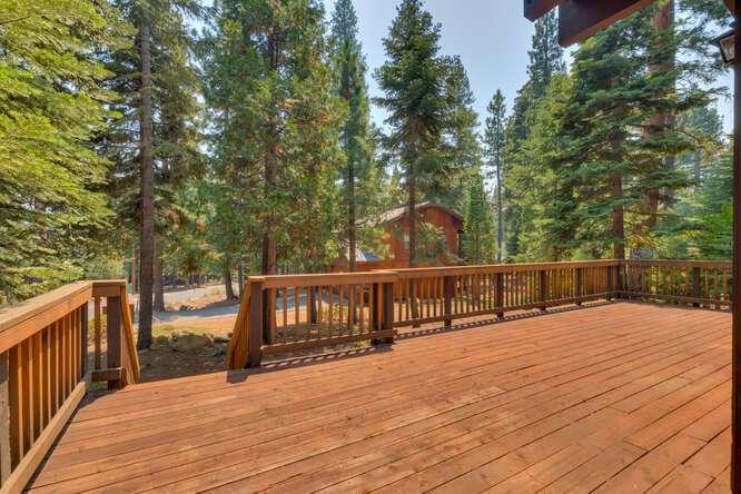 6498-Wildwood-Rd-Tahoe-Vista-small-009-015-Deck-666x444-72dpi.jpg-nggid044252-ngg0dyn-666x444x60-00f0w010c010r110f110r010t010