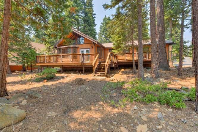 6498-Wildwood-Rd-Tahoe-Vista-small-010-013-Back-of-House-666x444-72dpi.jpg-nggid044253-ngg0dyn-666x444x60-00f0w010c010r110f110r010t010