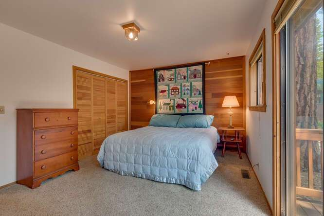 6498-Wildwood-Rd-Tahoe-Vista-small-011-012-Primary-Bedroom-Ensuite-666x445-72dpi.jpg-nggid044251-ngg0dyn-666x444x60-00f0w010c010r110f110r010t010