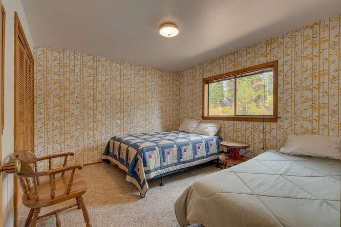 6498-Wildwood-Rd-Tahoe-Vista-small-015-014-Bedroom-666x445-72dpi.jpg-nggid044259-ngg0dyn-666x444x60-00f0w010c010r110f110r010t010