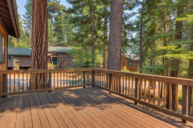 6498-Wildwood-Rd-Tahoe-Vista-small-016-003-Deck-666x445-72dpi.jpg-nggid044263-ngg0dyn-666x444x60-00f0w010c010r110f110r010t010