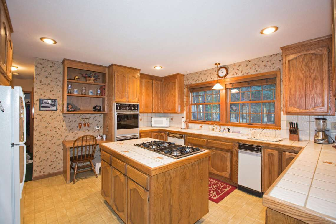 Spacious Kitchen with Island
