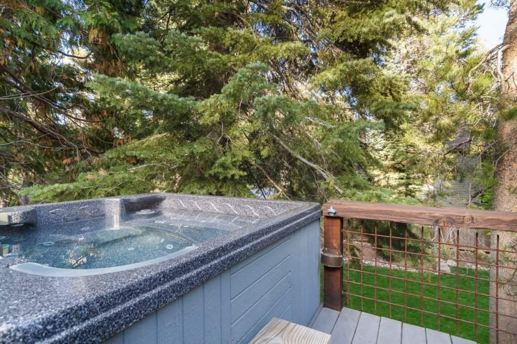 7001 Hilo Avenue | Back Deck | Lake Tahoe Real Estate