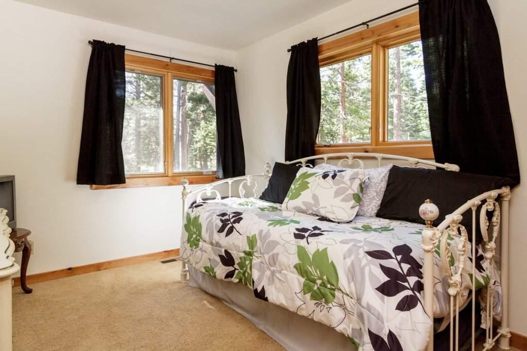 7001 Hilo Avenue | Bedroom | Lake Tahoe Real Estate