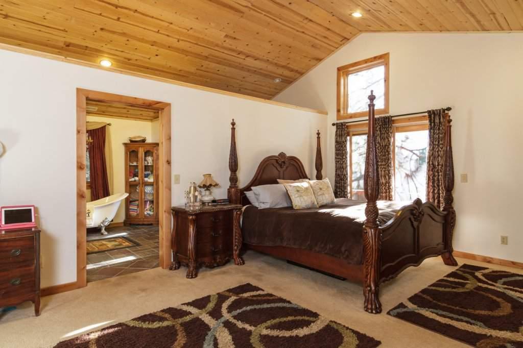 7001 Hilo Avenue | Master Bedroom | Tahoma Real Estate