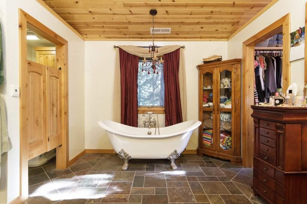 7001 Hilo Avenue | Master Bathroom | Lake Tahoe West Shore Real Estate