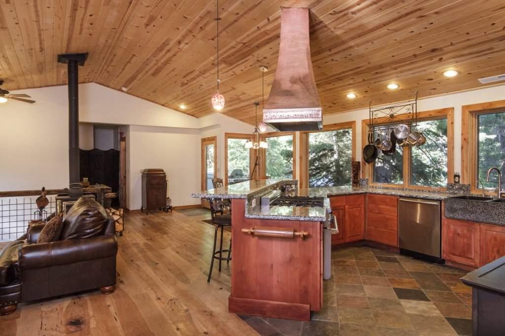 7001 Hilo Avenue | Open Concept Kitchen | Lake Tahoe Real Estate