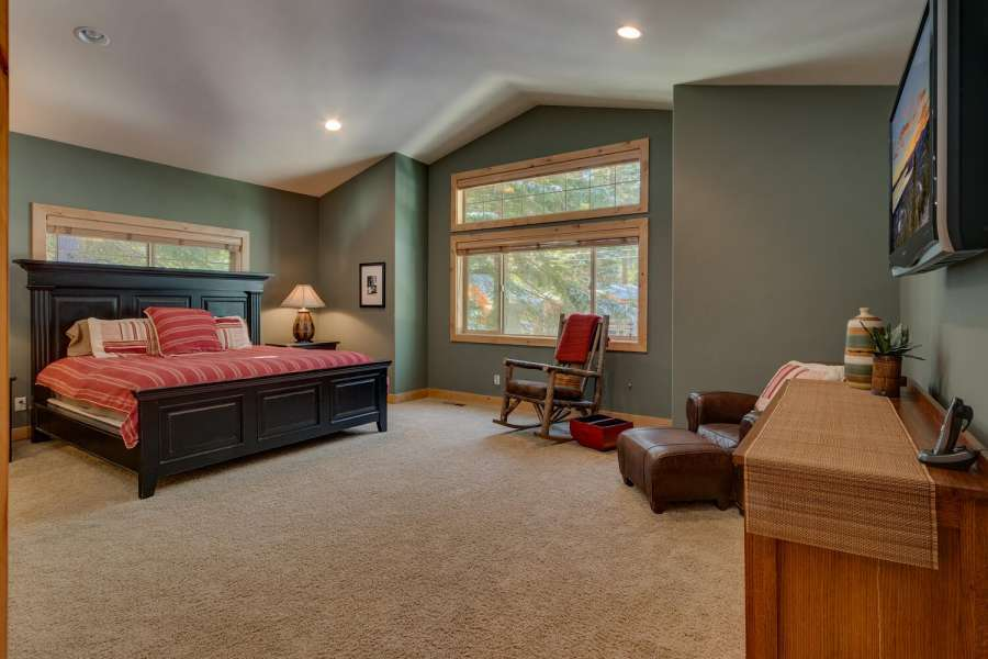 Tahoma Real Estate | Master Bedroom