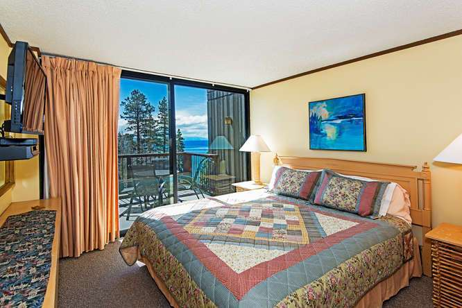 Lake Tahoe Penthouse | Master Bedroom