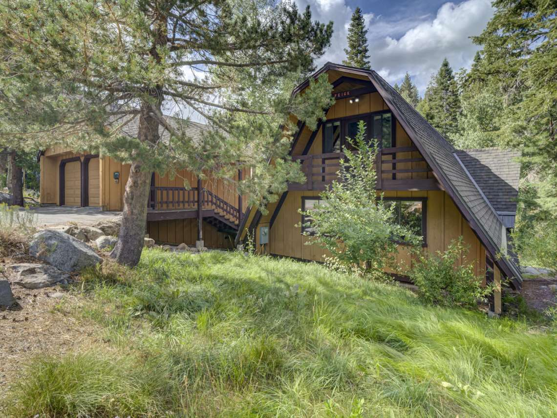 Lake Tahoe Ski Cabin | 1314 Mineral Spings Trail Front of House