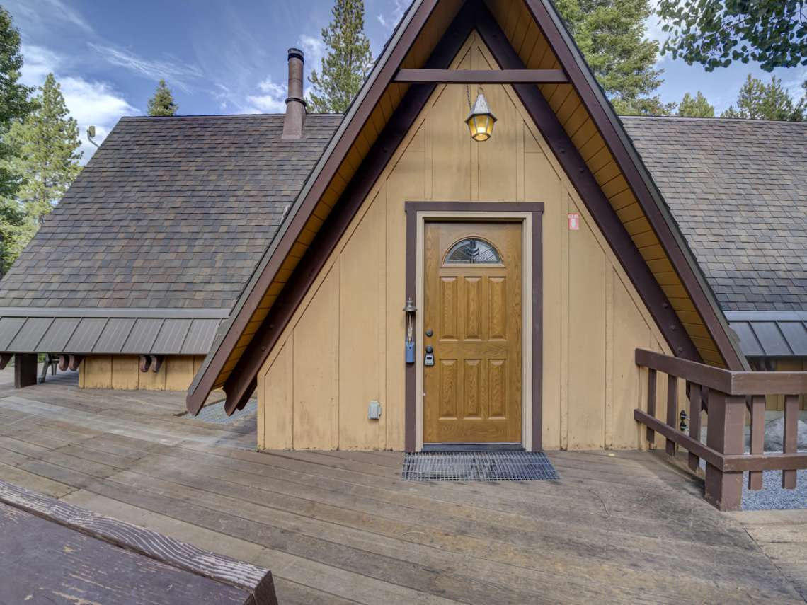 Alpine Meadows Real Estate | 1314 Mineral Springs Trail Entry