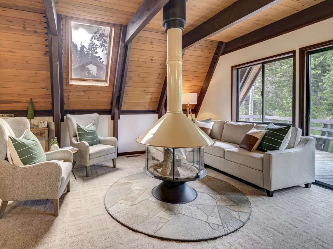 Alpine Meadows Real Estate | 1314 Mineral Springs Trail Living Room
