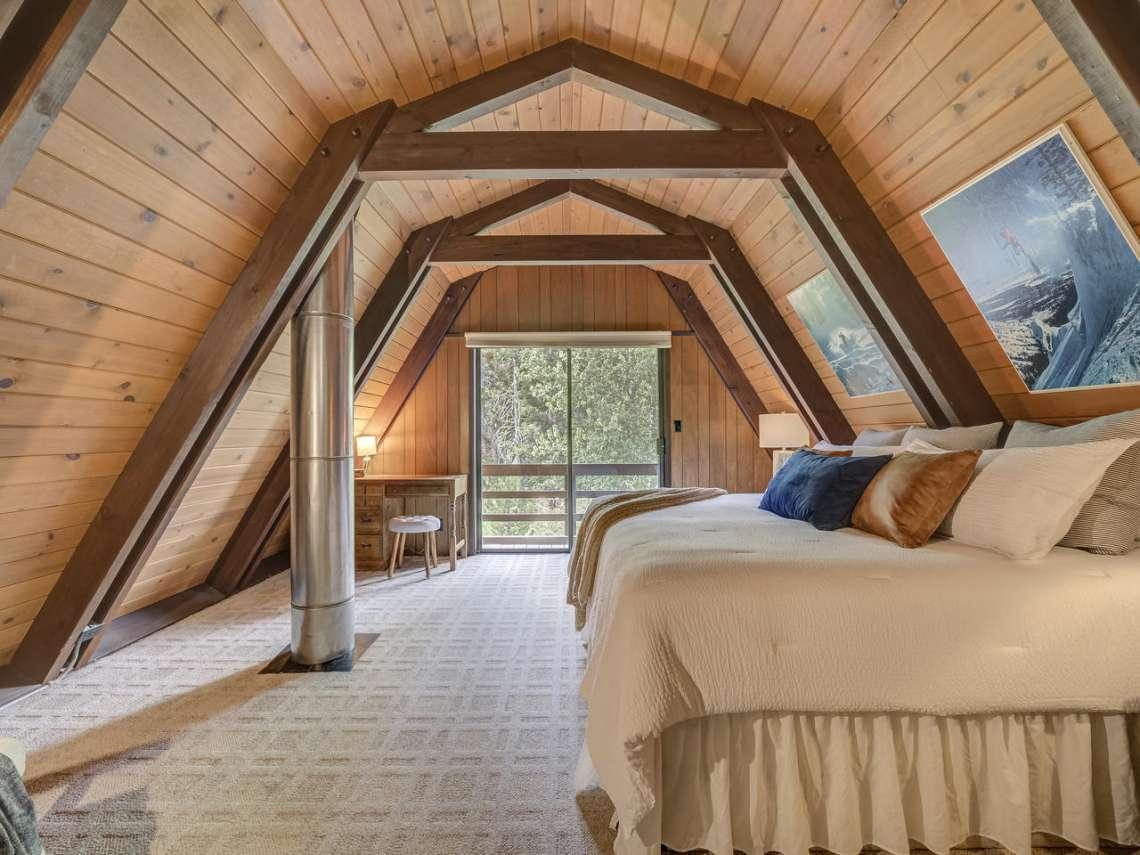 Alpine Meadows Ski Cabin | 1314 Mineral Springs Trail Master Bedroom