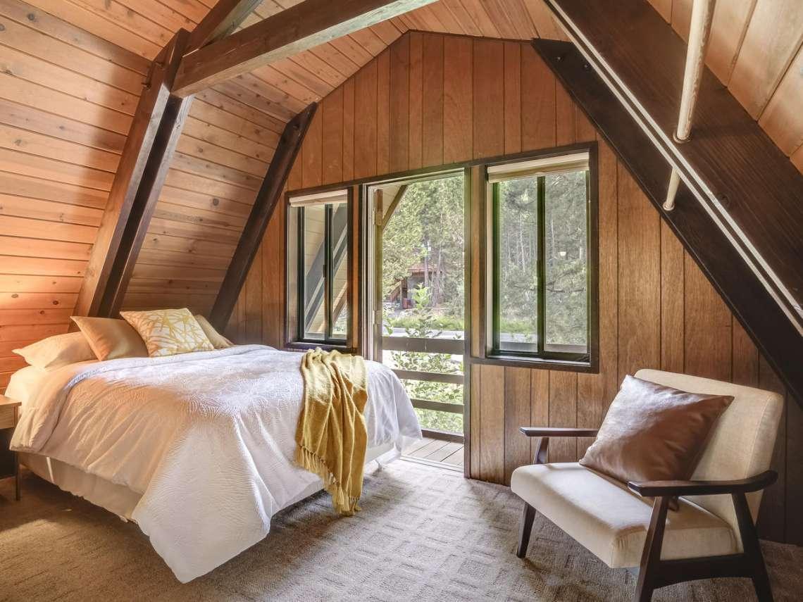 Lake Tahoe Ski Cabin | 1314 Mineral Springs Trail Bedroom