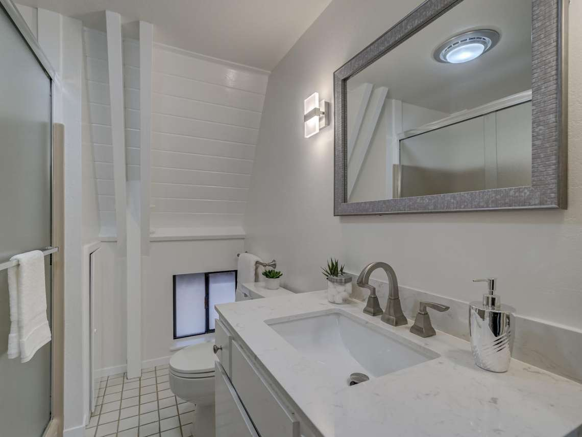 Alpine Meadows Real Estate | 1314 Mineral Springs Trail Bathroom