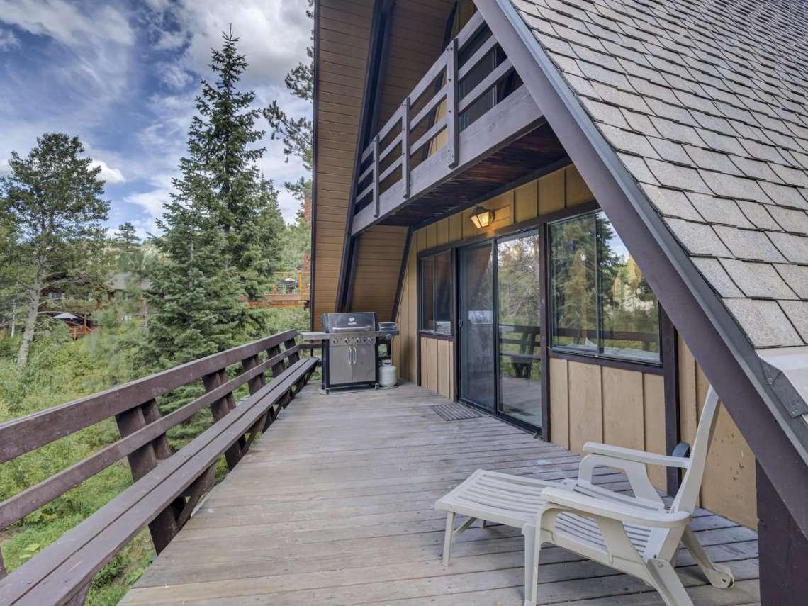 Lake Tahoe Cabin | 1314 Mineral Springs Trail Deck