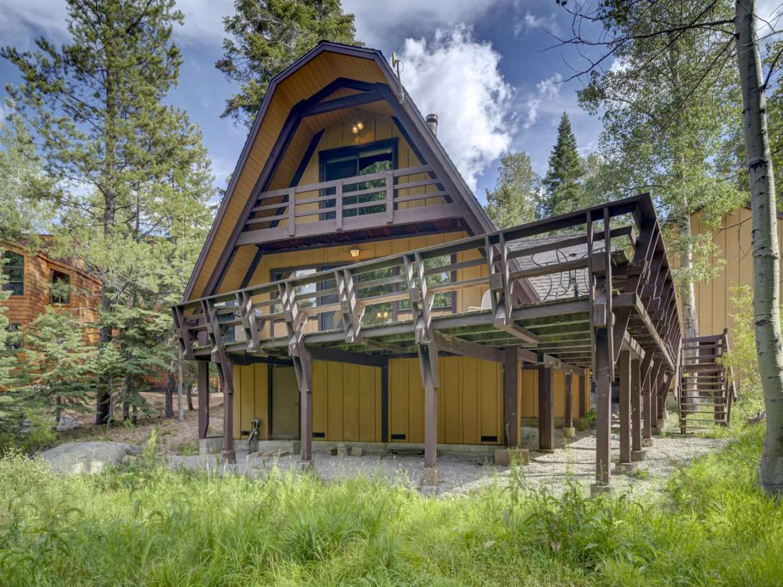 Alpine Meadows Ski Cabin | 1314 Mineral Springs Trail House