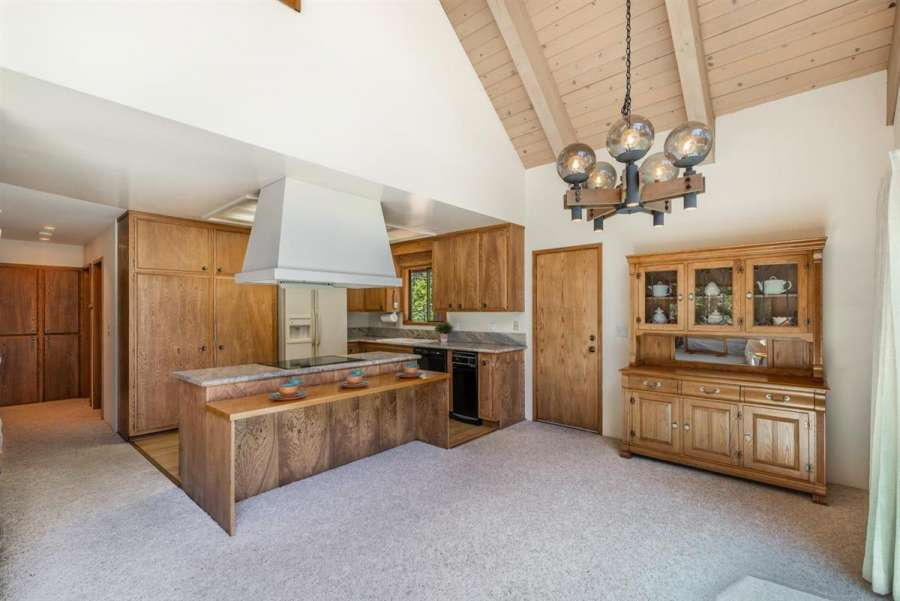 180 Quiet Walk Rd. | Kitchen and Dining Area