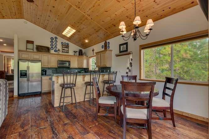 Truckee Real Estate    12418-Snowpeak-Way-Truckee-CA   Dining Room