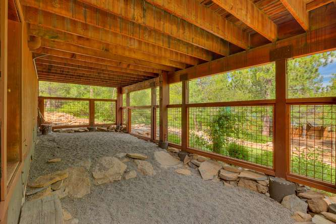 Truckee Real Estate | 12418-Snowpeak-Way-Truckee-CA | Dog Run