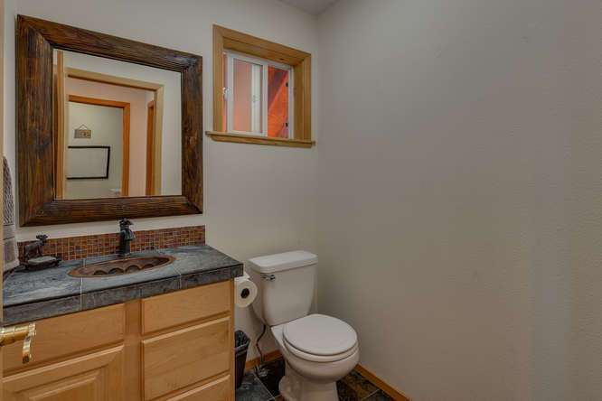 Tahoe Donner Home | 12418-Snowpeak-Way-Truckee-CA | Half Bathroom