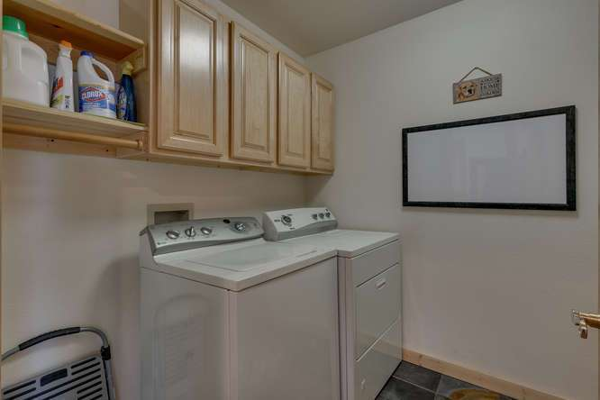 Tahoe Donner Home | 12418-Snowpeak-Way-Truckee-CA | Laundry Room