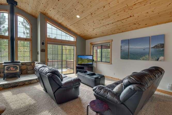 12259-Northwoods-Blvd-Truckee-small-005-008-Living-Room-666x445-72dpi