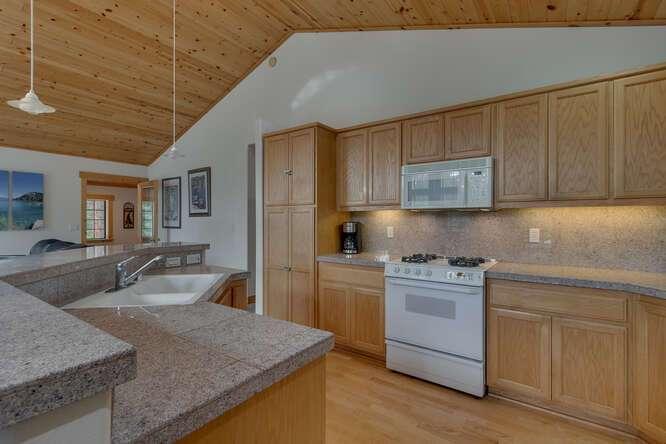 12259-Northwoods-Blvd-Truckee-small-006-009-Kitchen-666x445-72dpi