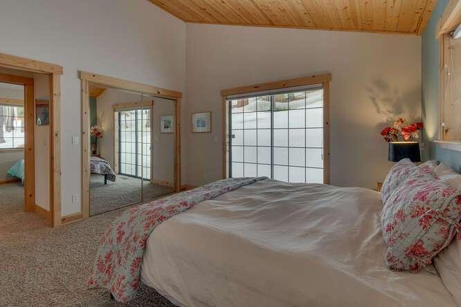 12259-Northwoods-Blvd-Truckee-small-011-006-Master-Bedroom-Ensuite-666x445-72dpi