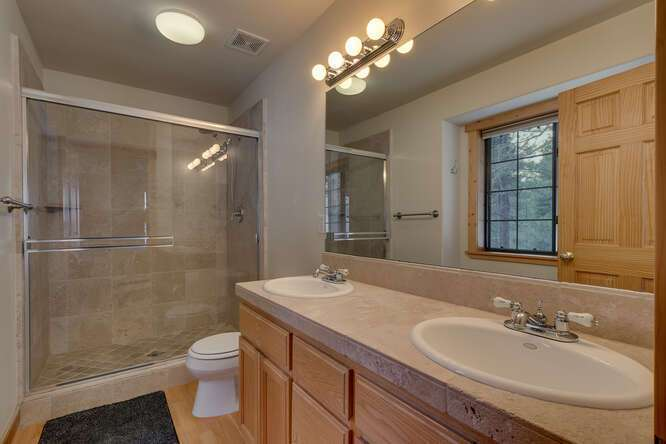 Master Bathroom | Tahoe Donner Chalet
