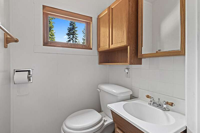 Tahoe Vista Cabin |  Bathroom