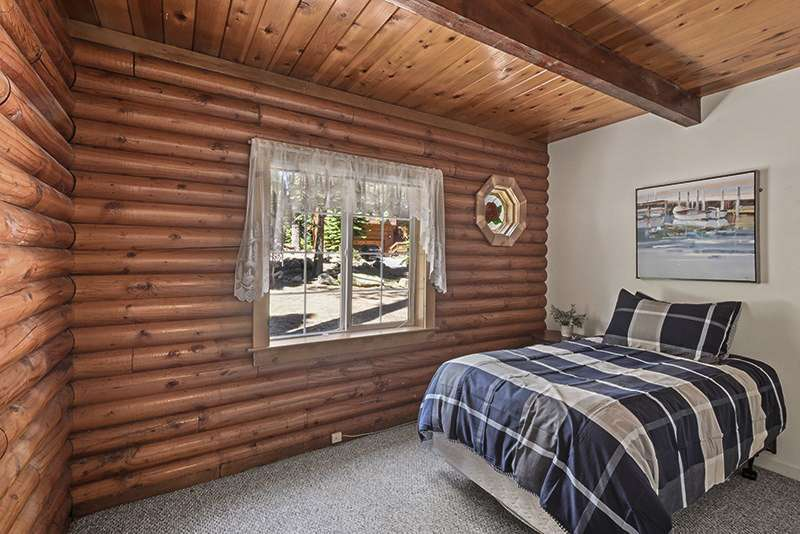 Tahoe Ski Cabin |  Bedroom