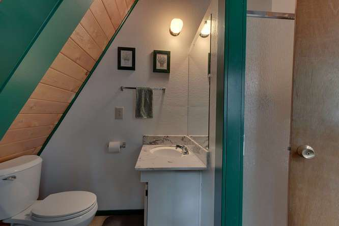 7299 7th Avenue | Bathroom