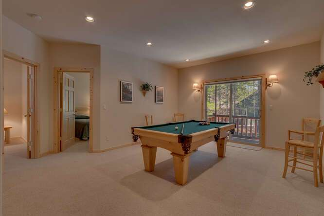 Family Room | 7009 Bellevue Ave