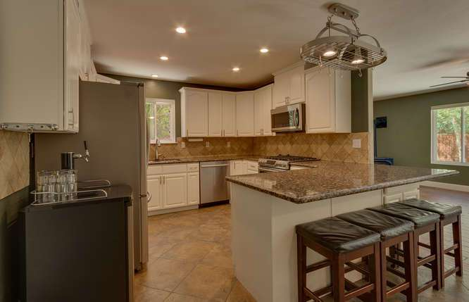 Truckee Real Estate | 10314 Shore Pine Rd Truckee CA | Kitchen