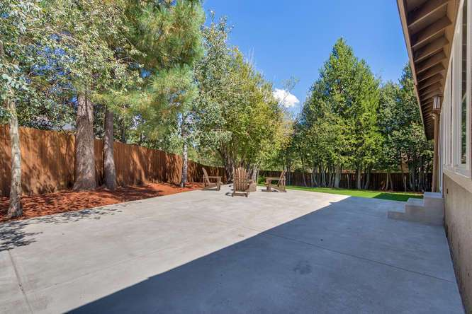 Sierra Meadows Real Estate | 10314 Shore Pine Rd Truckee CA | Patio