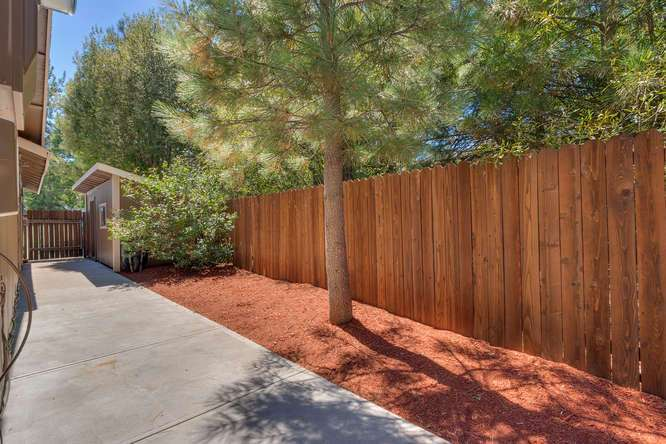 Sierra Meadows Truckee CA | 10314 Shore Pine Rd Truckee CA | Side Yard