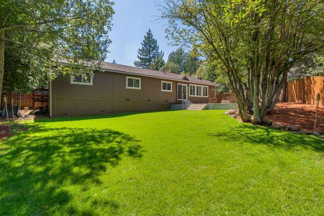 Sierra Meadows Real Estate | 10314 Shore Pine Rd Truckee CA | Backyard
