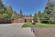 Sierra Meadows Real Estate | 10314 Shore Pine Rd Truckee CA | Front Exterior
