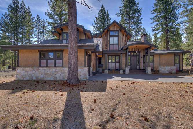 Gray's Crossing Truckee Home for Sale | 11239 Henness Rd Truckee CA | Front Exterior