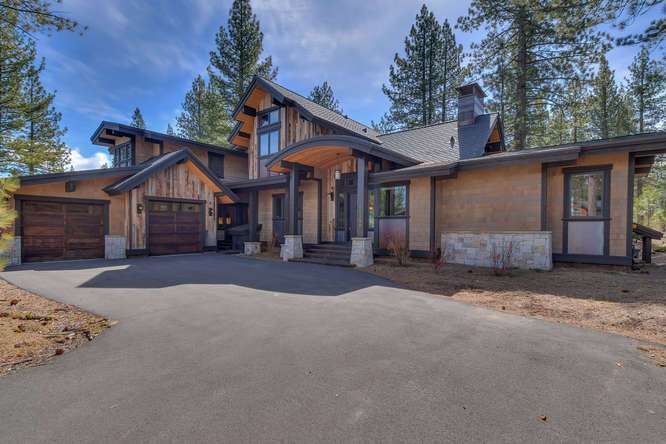 Gray's Crossing Truckee Real Estate | 11239 Henness Rd Truckee CA | Front Exterior