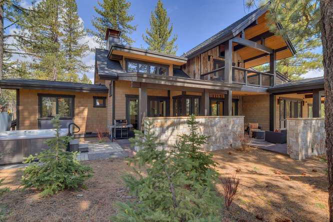 Truckee Home for Sale | 11239 Henness Rd Truckee CA | Back Exterior