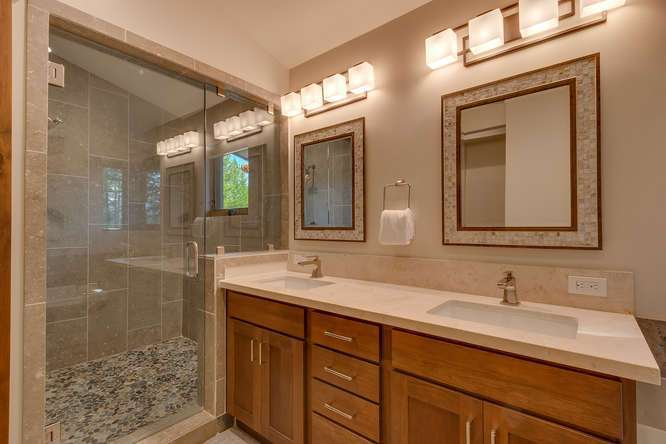 Truckee Luxury Home for Sale | 11239 Henness Rd Truckee CA | Master Bathroom